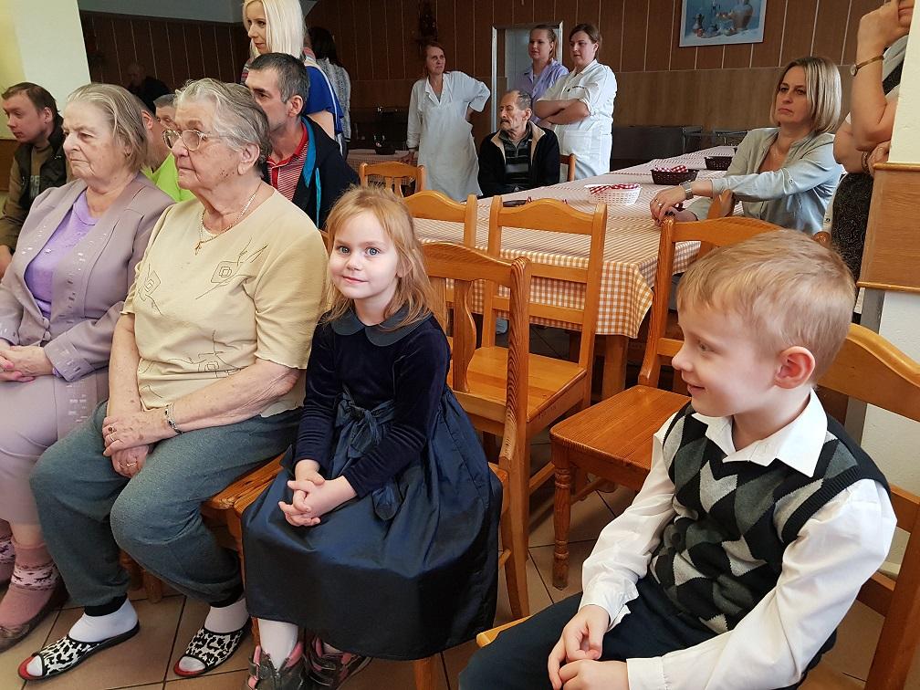 Występ przedszkolaków w Domu Pomocy Społecznej w Brańsku